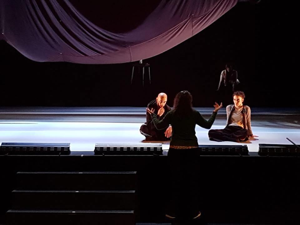 Foto de ensayo de HERE, con Lali Ayguadé Guilhem Chatir y Martina Cabanas